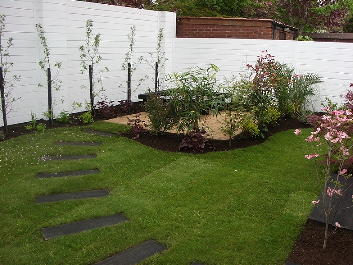 How to make your yard private modern home exteriors for Small private garden ideas